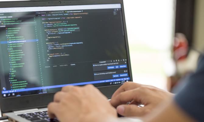 どのプログラミング言語を学べばいいかわかる